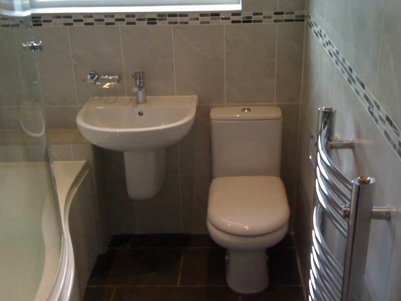 2015 for Small fitted bathroom ideas